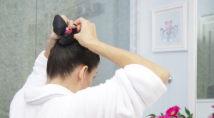 a-hair-sleeve-from-ponydry-which-allows-women-to-just-wash-the-roots-of-their-hair